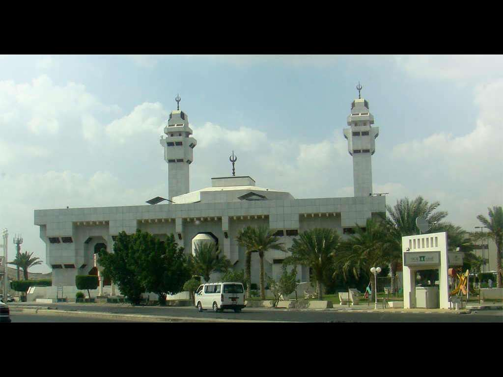 Pictures of Taneem Mosque (Masjid Ayesha)